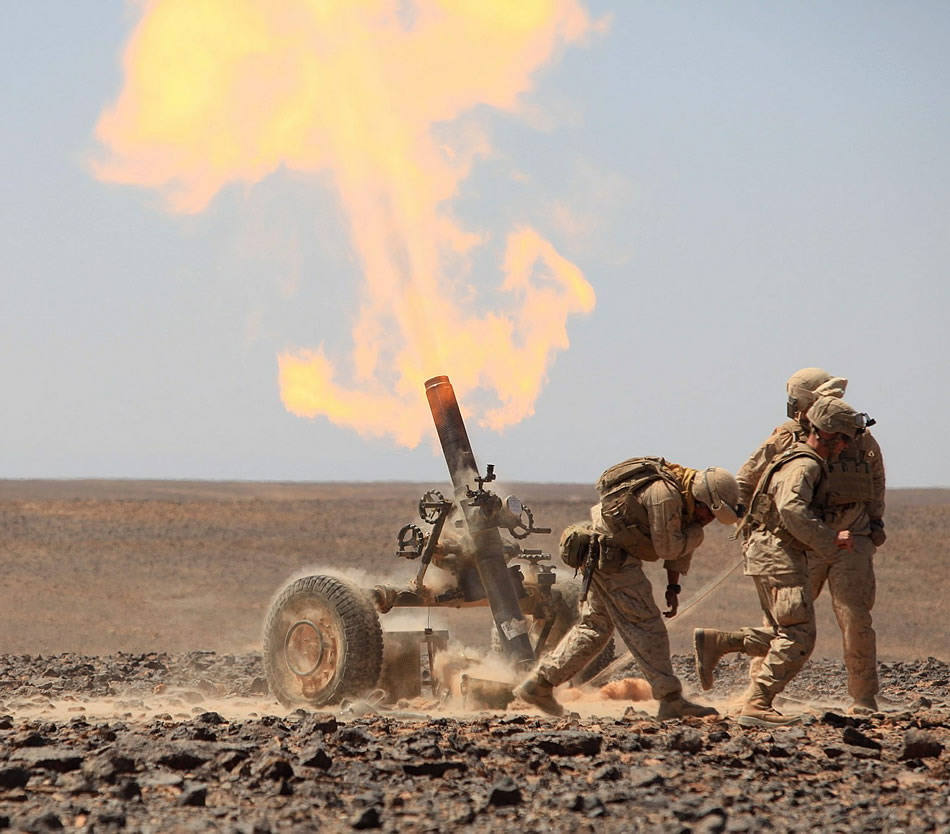 U S Army 120mm Mortar : Pretty bad ass photo of a mm in action ar