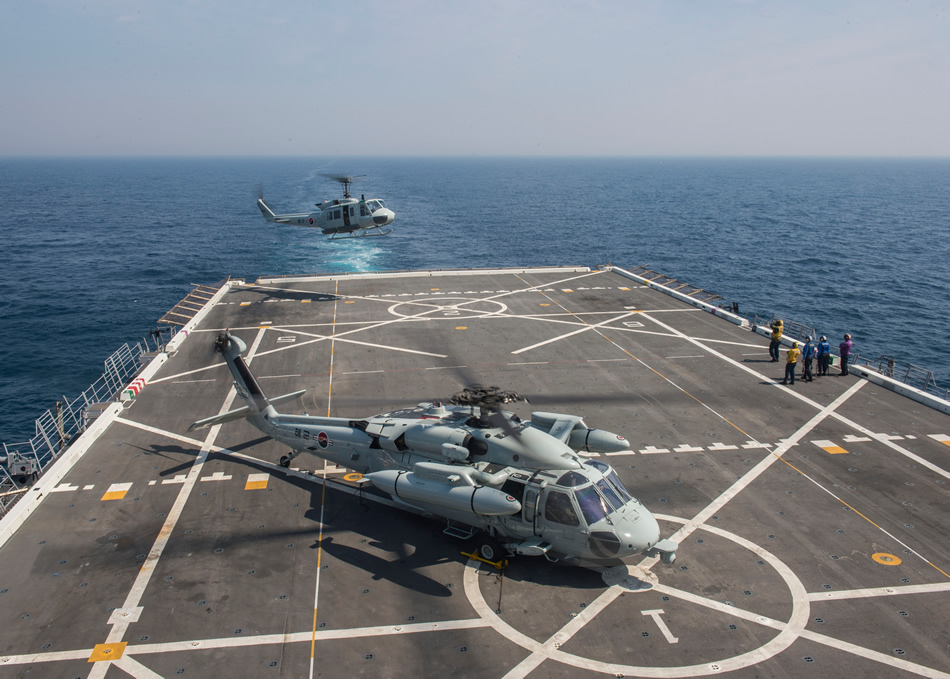 military helicopters us with 20150331204328 on Boeing Prepares First Indonesia Apache Ah 64e Guardian Helicopters For Delivery furthermore Row besides Boeing E 4 73 1676 usa Us Air Force 147480 together with Kfor medevac moreover Cargo aircraft.