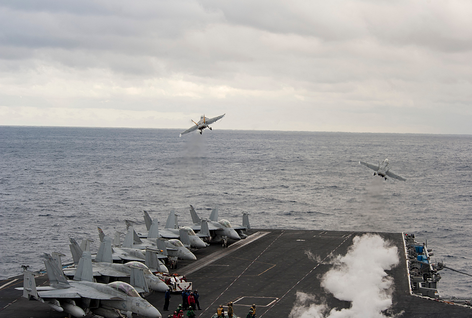 http://www.strategypage.com/gallery/images/USS-Harry-S-Truman-simultaneous-launch-01-2013.jpg