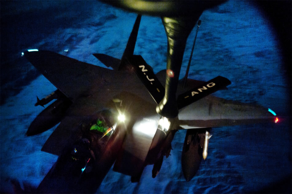 http://www.strategypage.com/gallery/images/f-15-night-refueling-01-2011.jpg