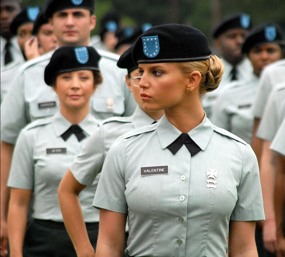 America S Police News: Military Photos An Army Uniform Never Looked Better