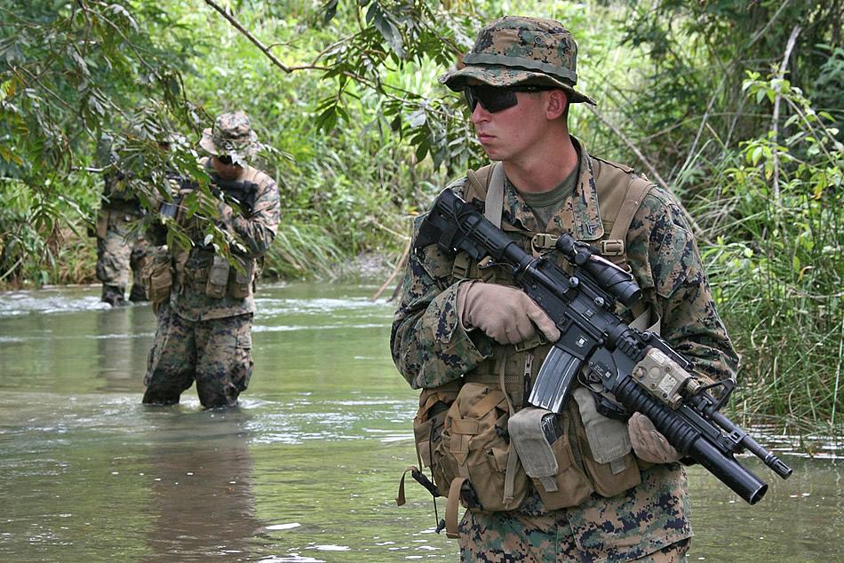 US Marine Corps (USMC) - Page 2 Poptun-patrol