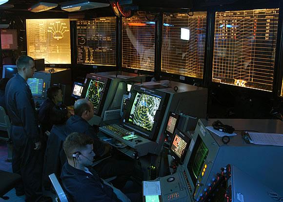 military photos the warm glow of a radar scope
