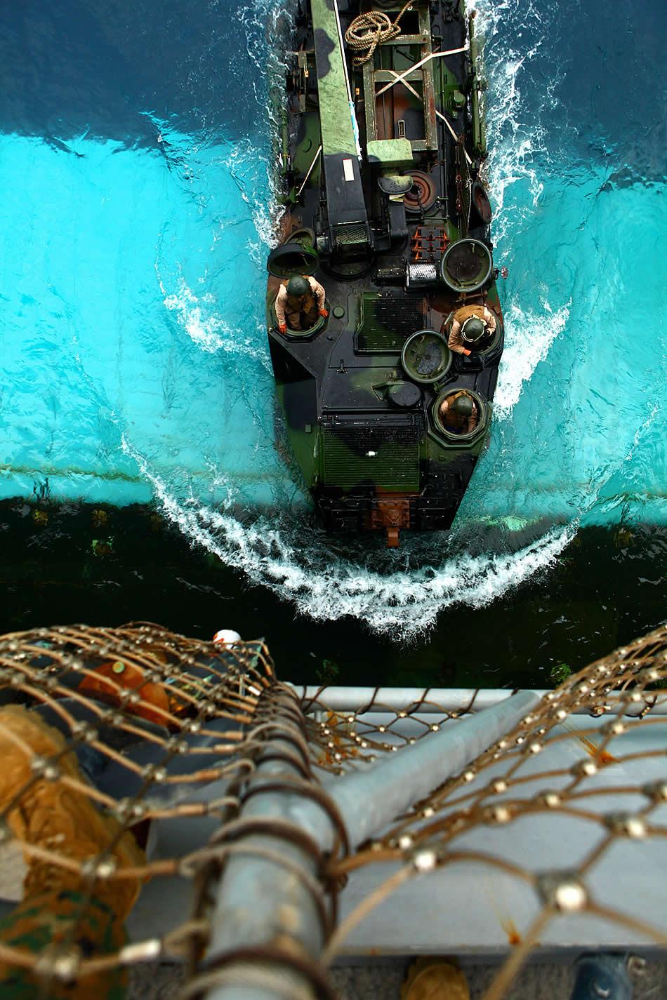 Amphibious Vehicle For Sale >> Military Photos Top Down View ASV